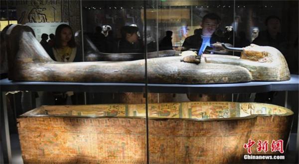 百件古埃及珍贵文物亮相济南